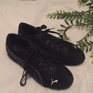 Puma women's size 8 shoes